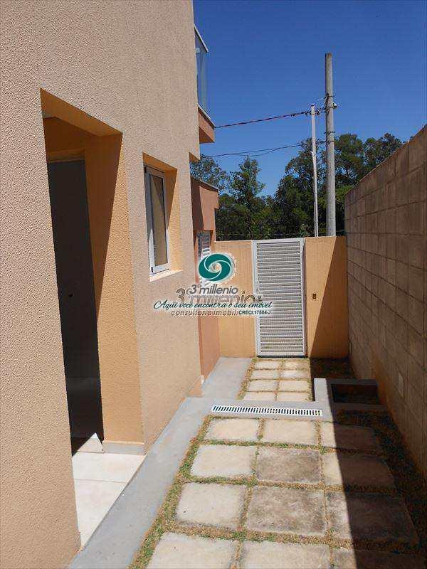 Sobrado de Condomínio em Cotia, no bairro Ressaca
