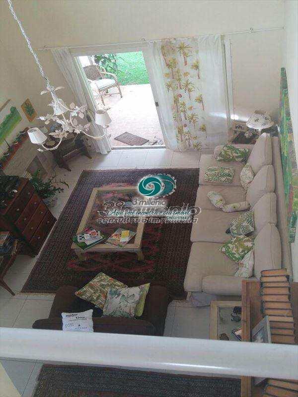 Casa em Cotia, bairro Granja Caiapiá
