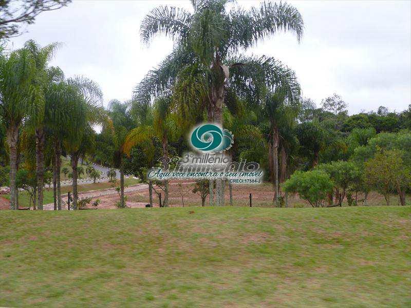 Terreno de Condomínio em Cotia, bairro Granja Viana