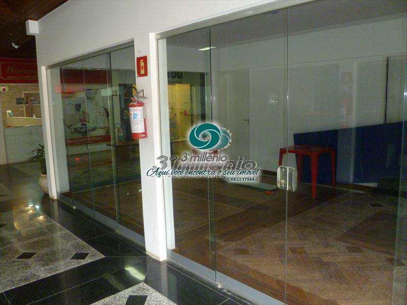 Loja em Cotia, no bairro Vila Santo Antônio