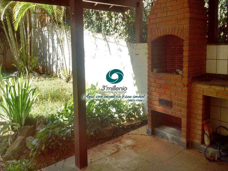 Sobrado de Condomínio em Cotia, bairro Jardim das Flores