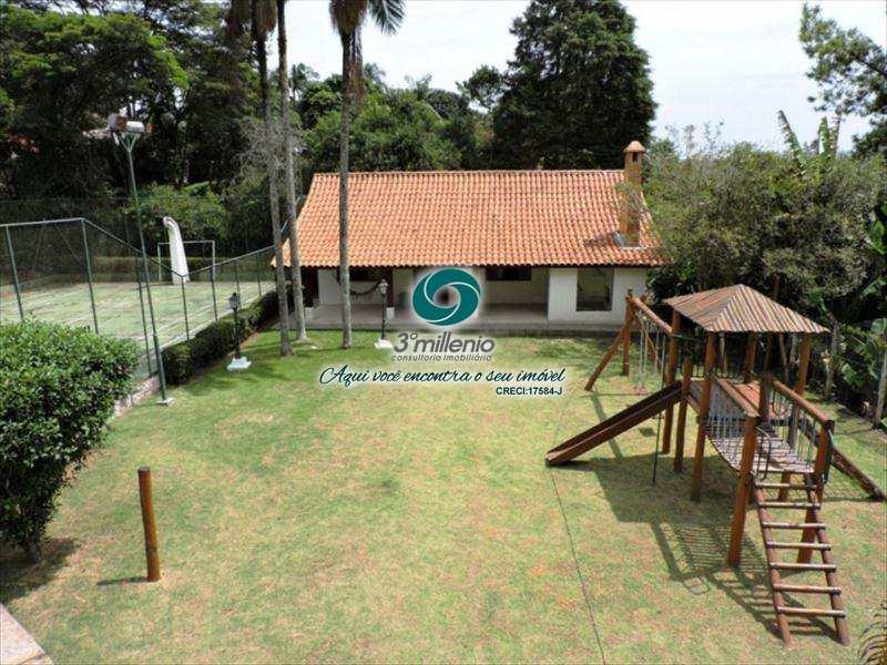 Sobrado de Condomínio em Carapicuíba, bairro Nova Fazendinha