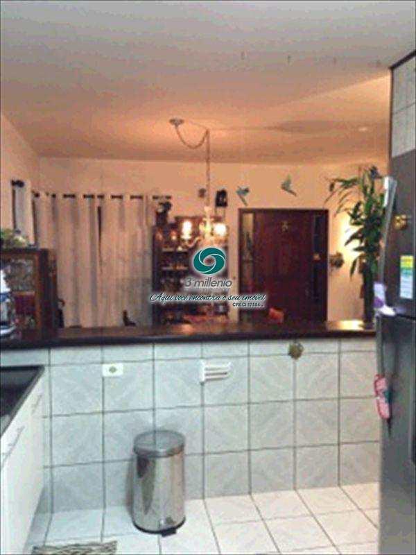Casa de Condomínio em Cotia, bairro Jardim Ipês