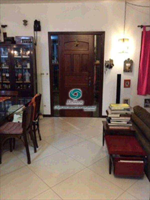 Casa de Condomínio em Cotia, no bairro Jardim Ipês