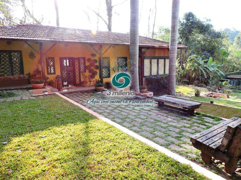 Casa em Cotia, no bairro Chácara Eliana