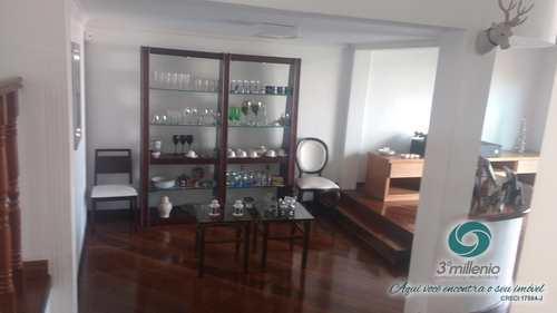 Casa, código 2087 em Cotia, bairro Jardim Semiramis