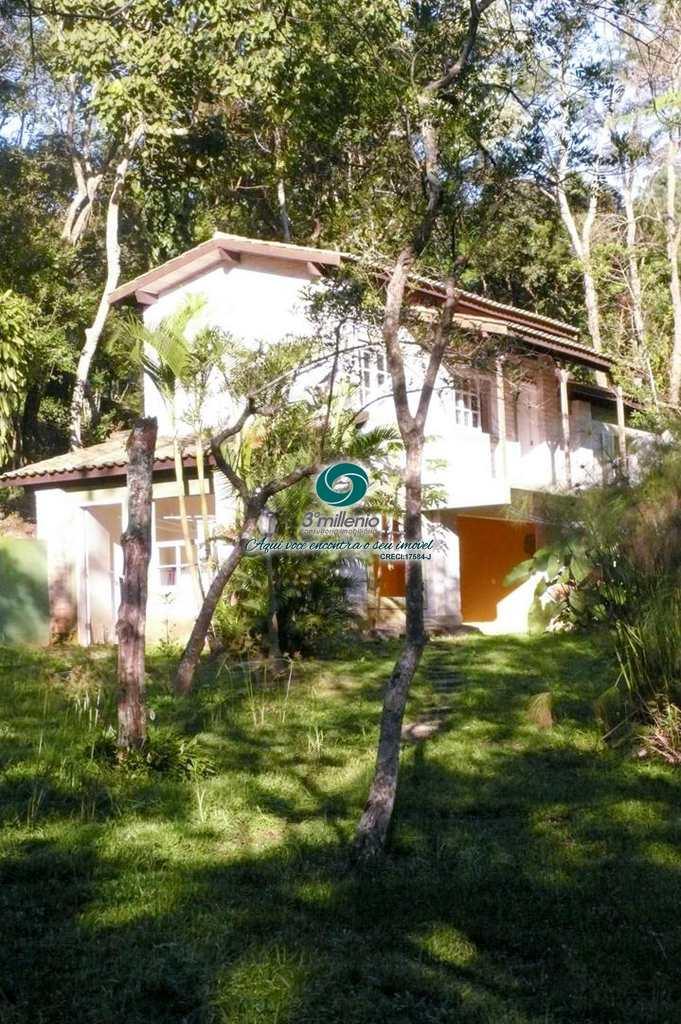Casa em Embu das Artes, no bairro Vila Real do Moinho Velho