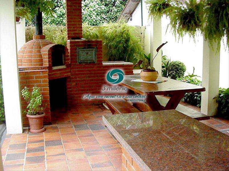 Casa de Condomínio em Cotia, no bairro Jardim Lambreta
