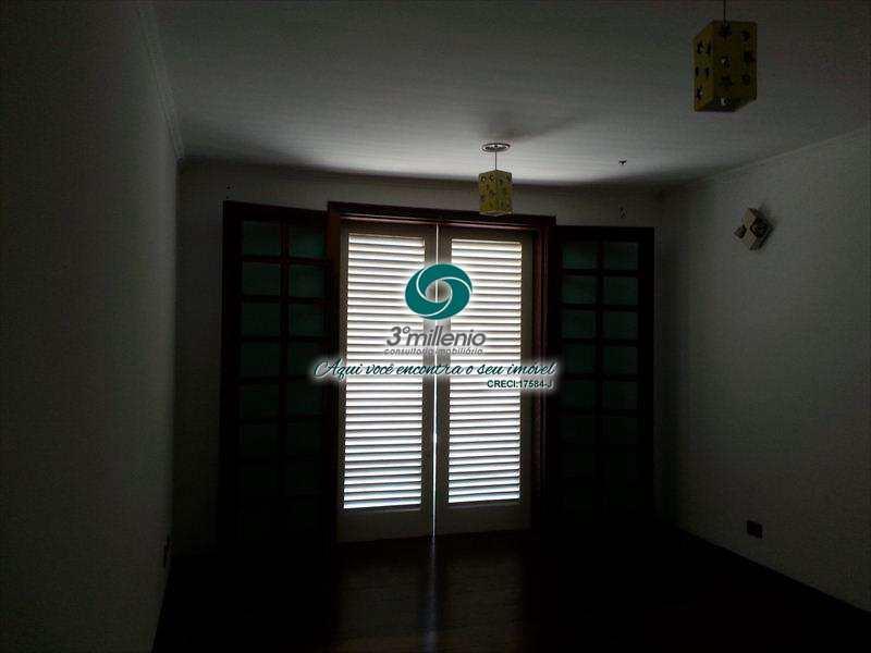 Casa de Condomínio em Cotia, no bairro Jardim Passargada