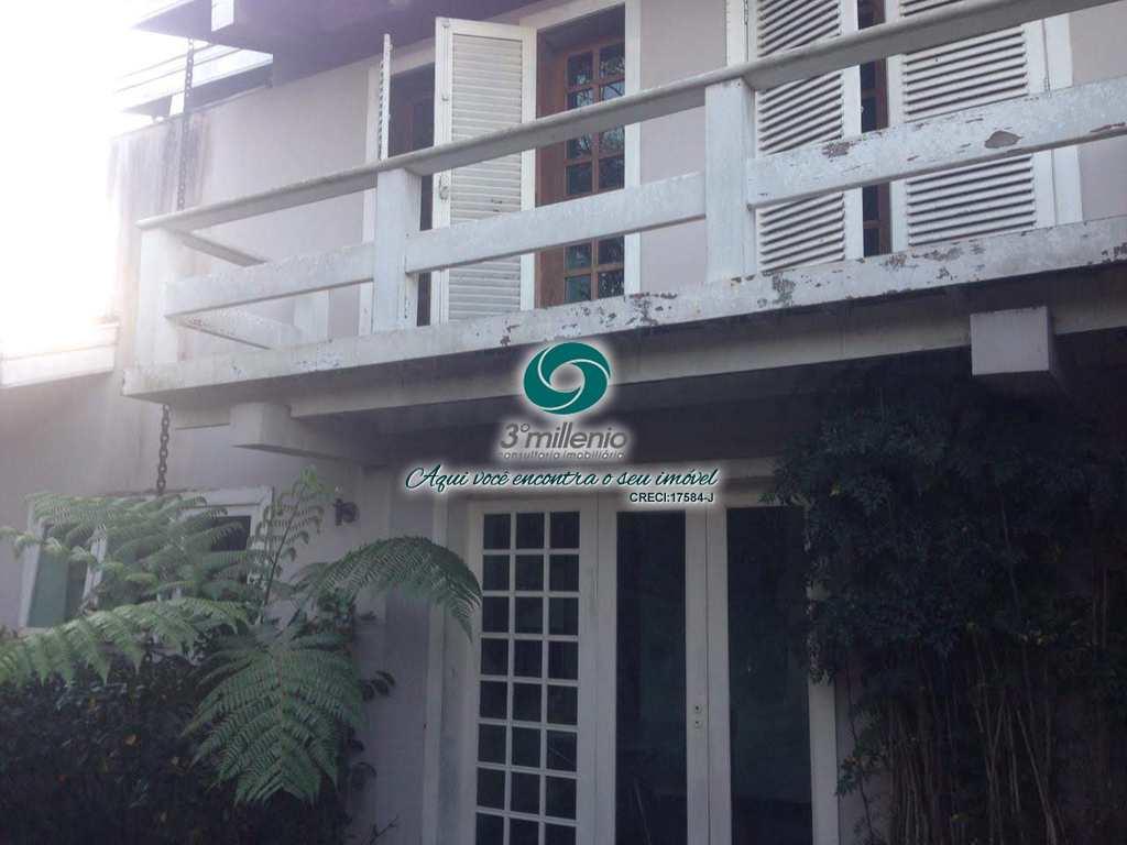 Casa em Cotia, no bairro Jardim Passargada