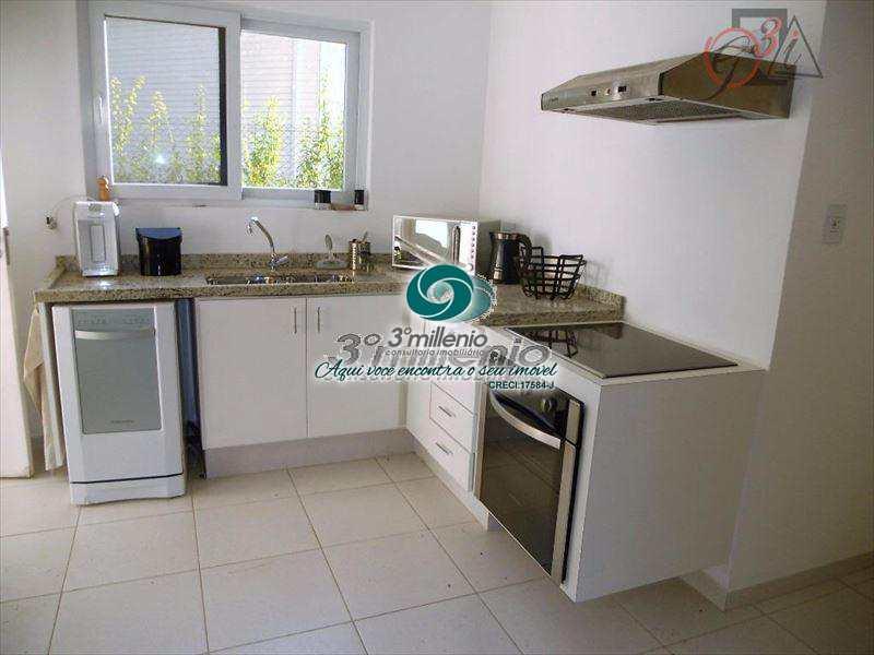 Casa de Condomínio em Cotia, bairro Granja Viana