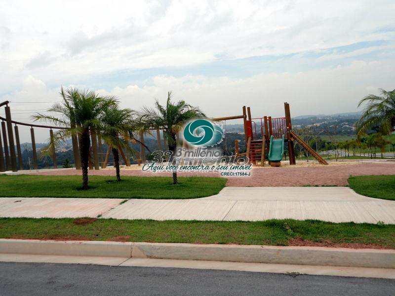 Terreno de Condomínio em Carapicuíba, bairro Chácara São João