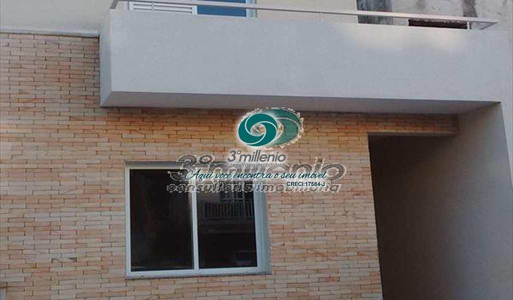 Casa de Condomínio em Cotia, bairro Jardim Rio das Pedras