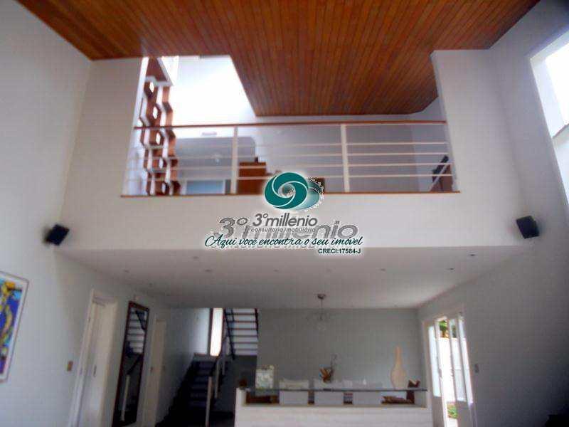 Casa de Condomínio em Carapicuíba, bairro Granja Viana