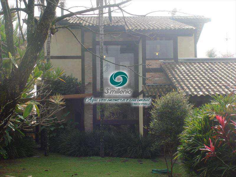 Casa de Condomínio em Carapicuíba, bairro Nova Fazendinha