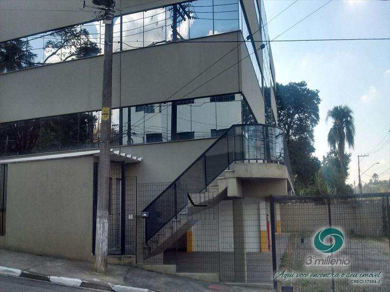 Prédio em Cotia, no bairro Granja Viana