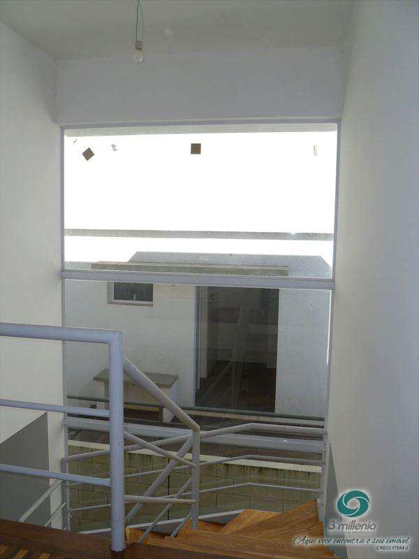 Casa de Condomínio em Cotia, bairro Jardim Paineira