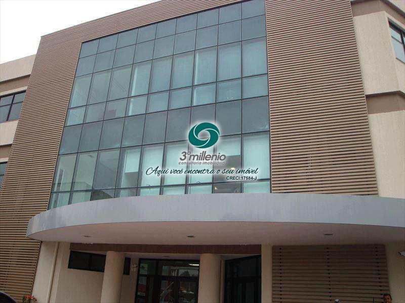 Sala Comercial em Cotia, no bairro Granja Viana