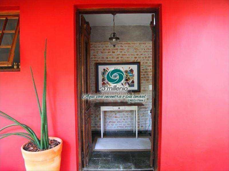 Casa de Condomínio em Cotia, bairro Vila Santo Antônio