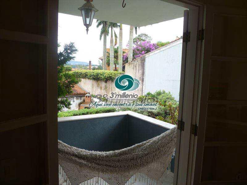 Casa em Carapicuíba, no bairro Terras do Madeira
