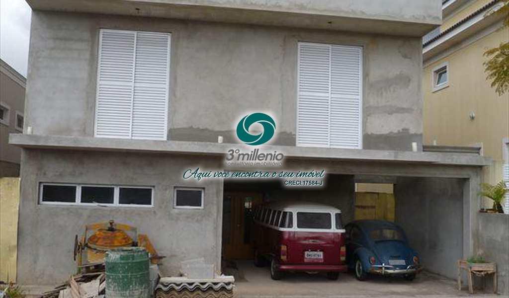 Casa de Condomínio em Cotia, bairro Residencial dos Lagos