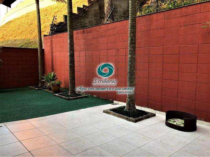 Casa de Condomínio em Cotia, bairro Jardim Colibri