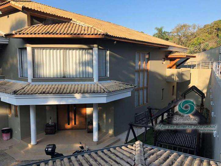 Casa em Carapicuíba, no bairro Chácara Santa Lúcia