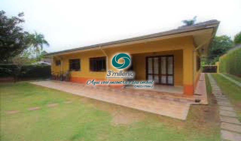 Casa em Cotia, bairro Chácara Eliana