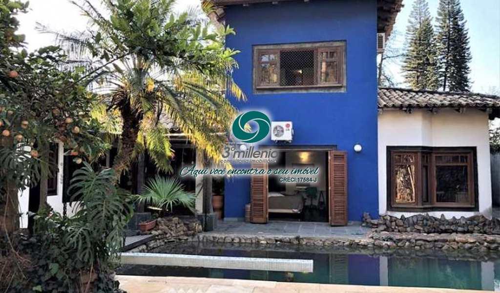 Casa em Carapicuíba, bairro Chácara São João