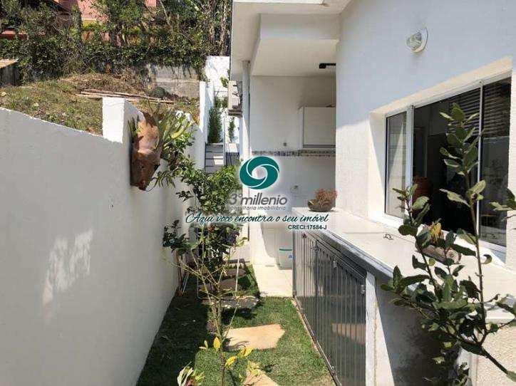 Casa de Condomínio em Carapicuíba, bairro Vila Diva