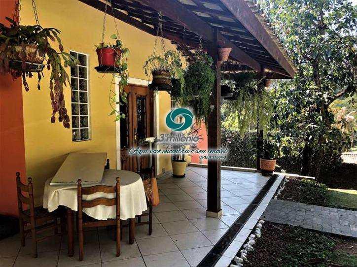 Casa em Cotia, no bairro Granja Viana