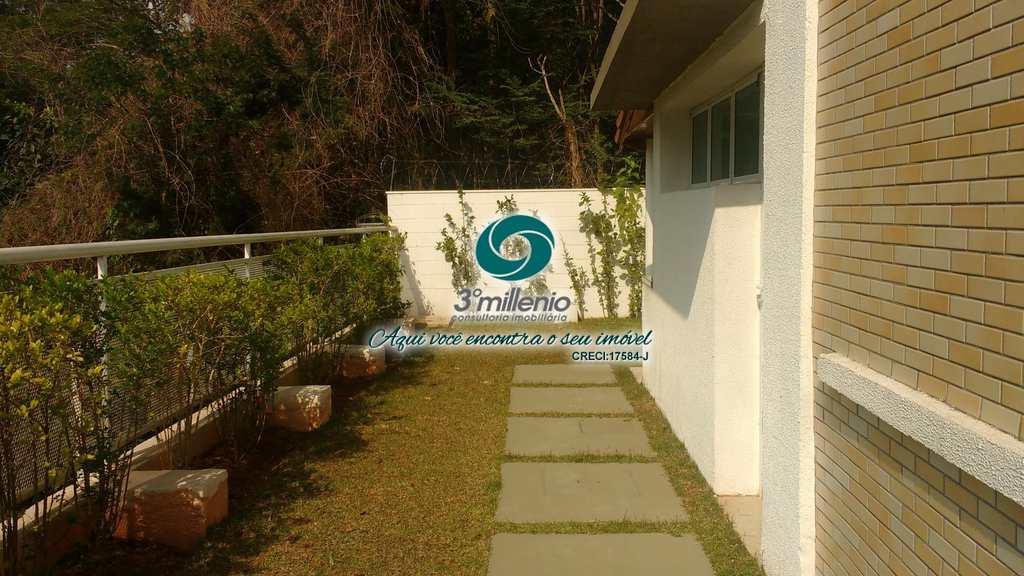 Casa em Cotia, no bairro Queluz Vitta