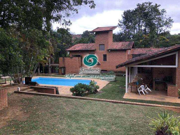 Casa em Carapicuíba, no bairro Chácara de La Rocca