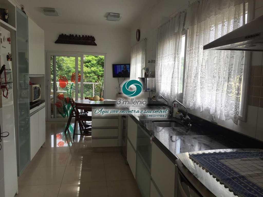 Casa em Embu das Artes, bairro Parque das Artes