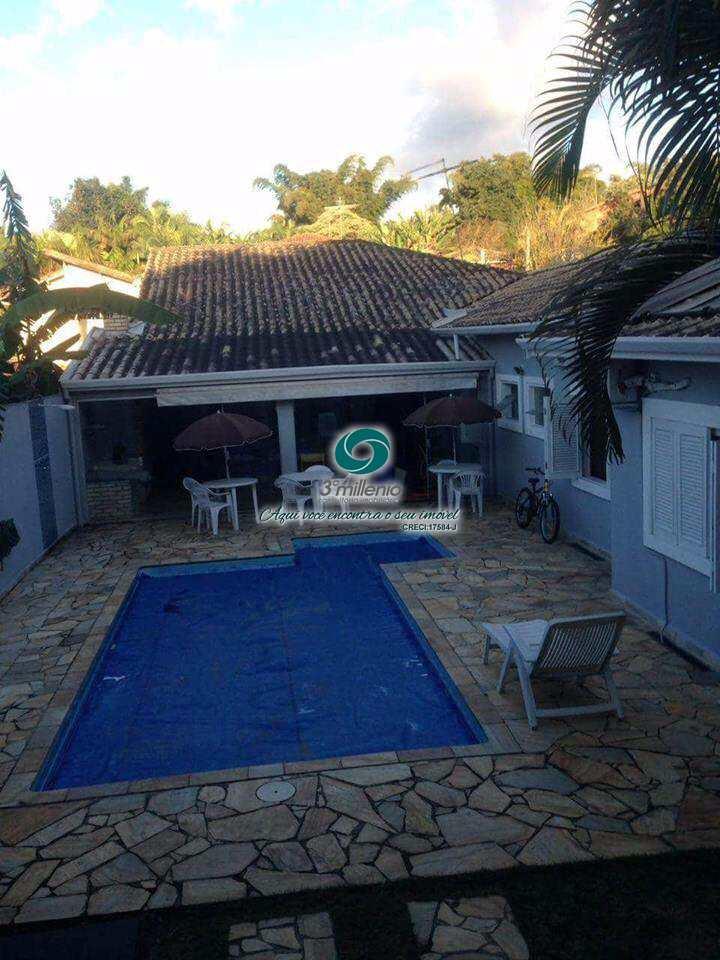 Casa em Carapicuíba, bairro Nova Fazendinha