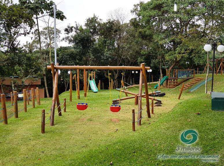 Terreno em Carapicuíba, bairro Golf Park