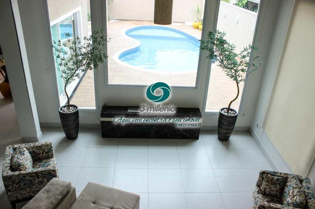 Casa em Cotia, bairro Residencial dos Lagos