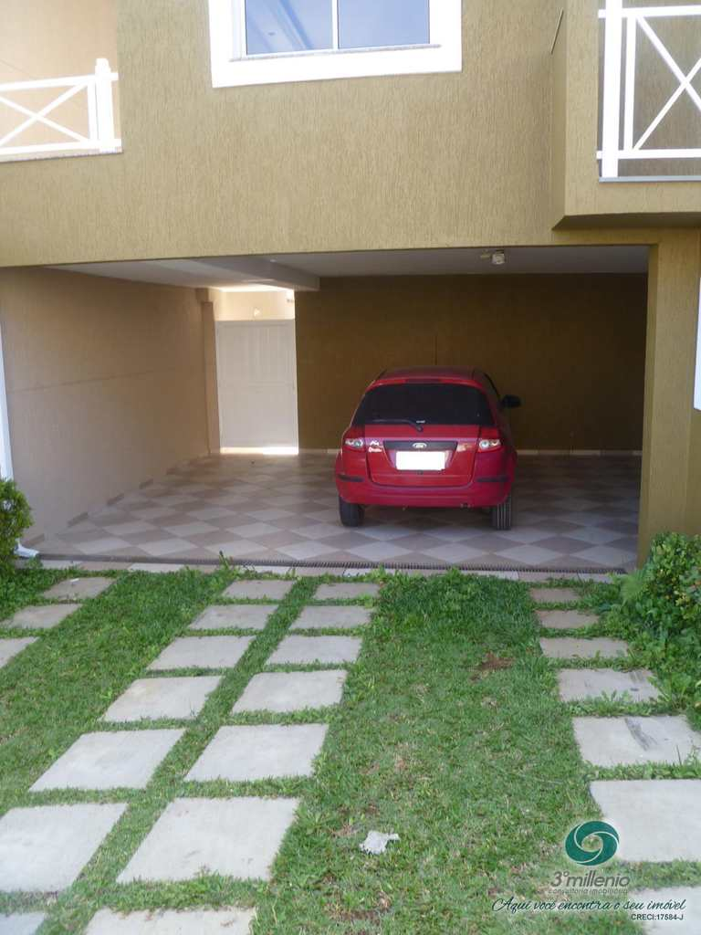 Casa em Cotia, no bairro Vila Inglesa