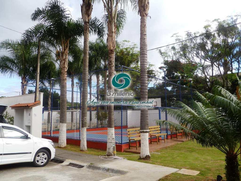 Casa em Cotia, no bairro Jardim da Glória
