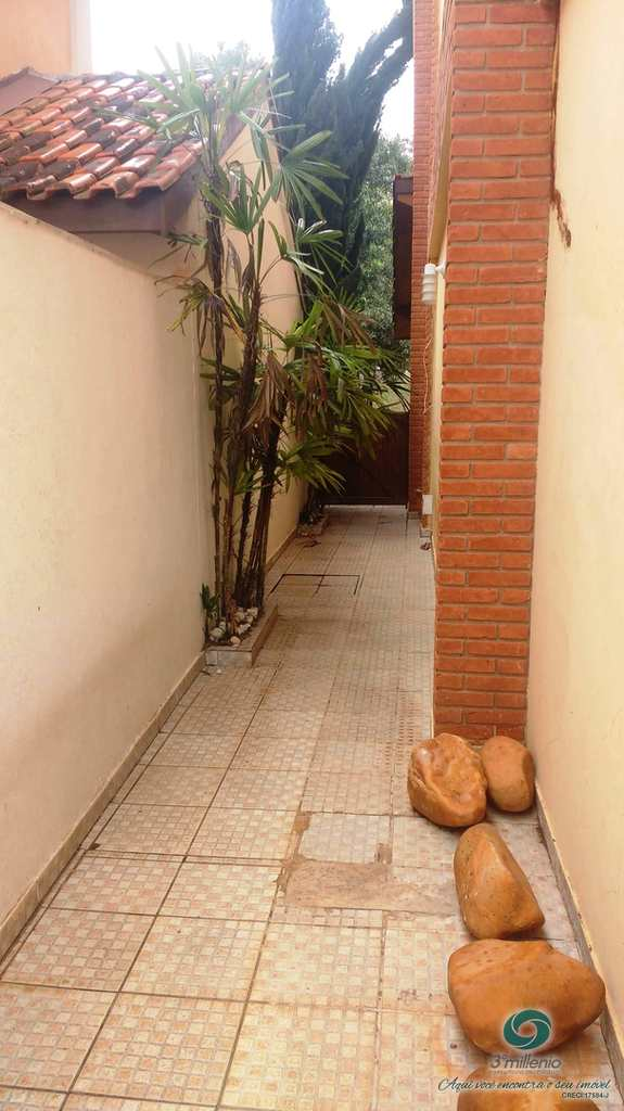 Casa em Cotia, no bairro Paisagem Renoir