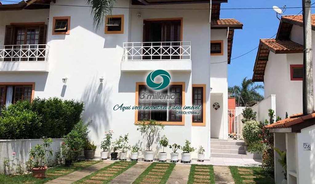 Casa em Cotia, bairro Quinta da Beloura
