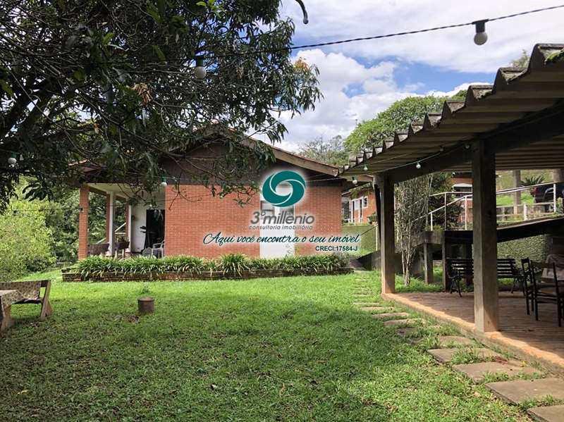 Casa em Carapicuíba, no bairro Chácara dos Lagos