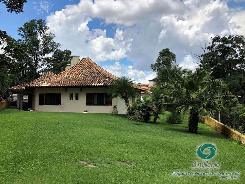 Casa em Cotia, no bairro Granja do Lago