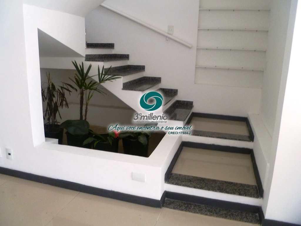 Casa em Carapicuíba, no bairro Golf Gardens