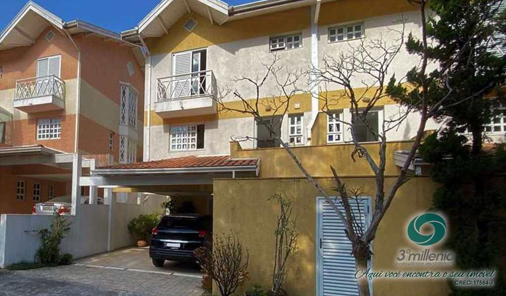 Casa em Cotia, bairro Aldeia da Granja