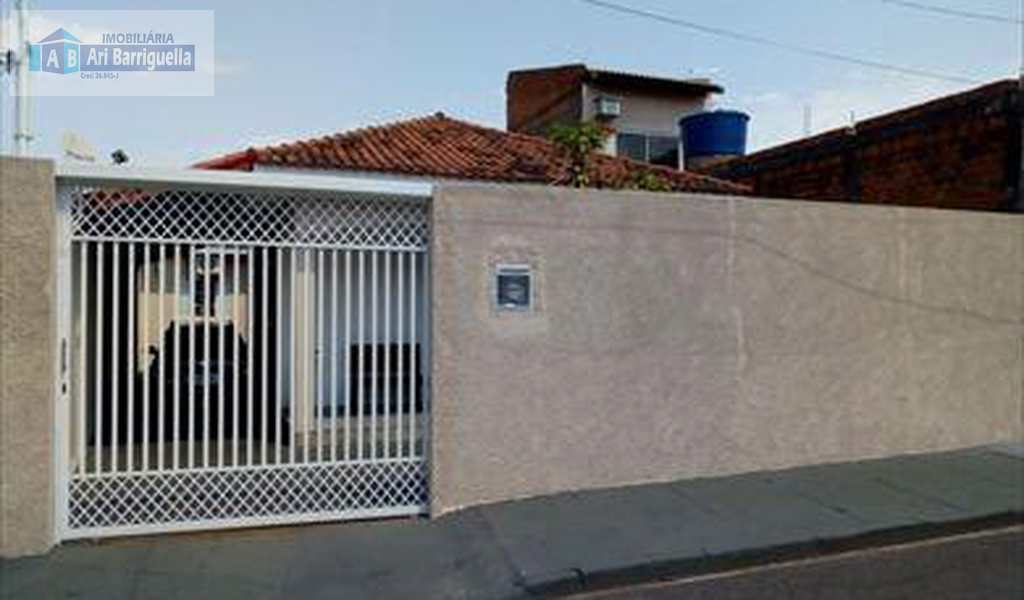 Casa em Presidente Prudente, bairro Vila Áurea