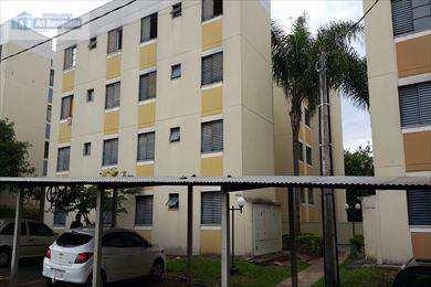 Apartamento, código 212 em Presidente Prudente, bairro Jardim Itapura