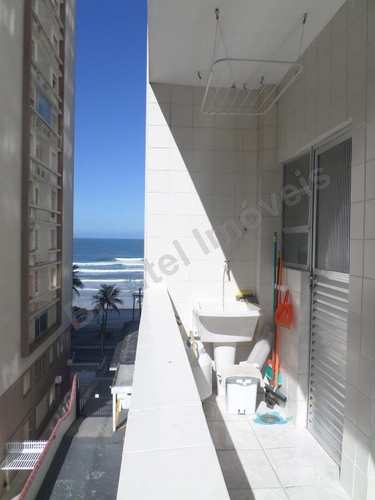 Apartamento, código 2416 em Guarujá, bairro Pitangueiras
