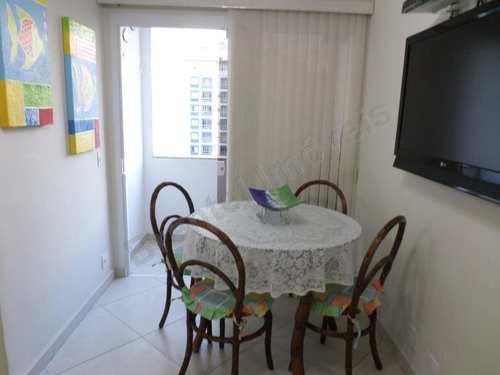 Apartamento, código 2392 em Guarujá, bairro Pitangueiras