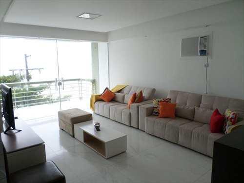 Apartamento, código 2213 em Guarujá, bairro Pitangueiras